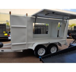 10X5 FULLY ENCLOSED WITH SIDE DOORS AND BACK DOORS